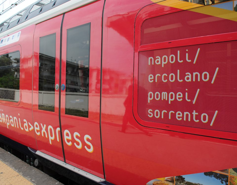 Da Napoli ad Ercolano, Sorrento e Pompei con un unico treno: il Campania Express!!!