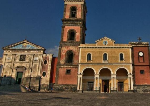 La Basilica Pontificia di Santa Maria a Pugliano (Ercolano - Napoli)