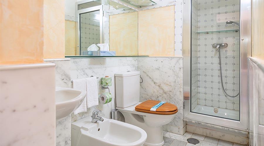 Suite_camera_doppia_bagno_3