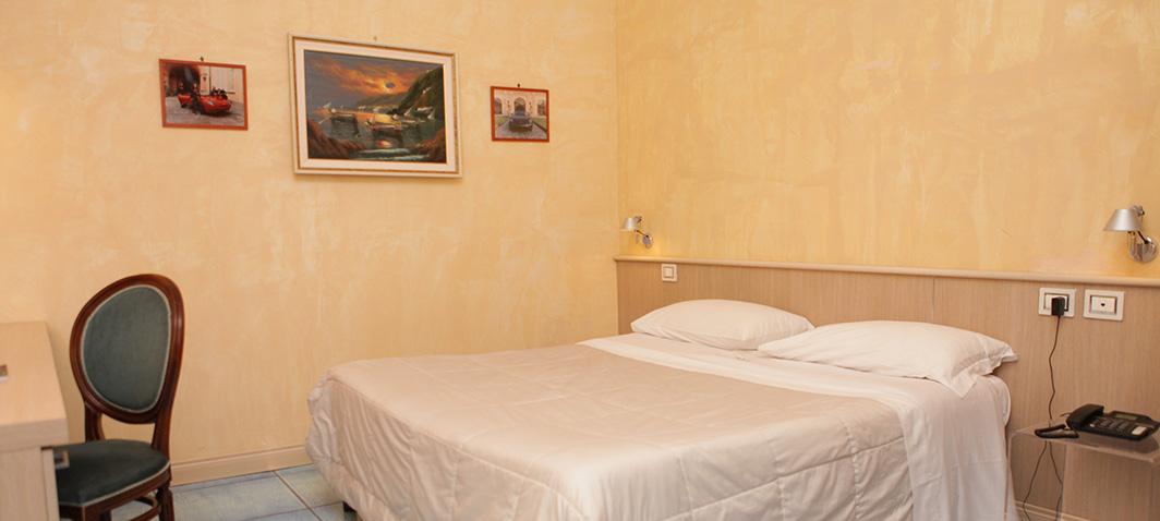 Matrimoniale_Classic_a_ercolano_Hotel_villa_signorini
