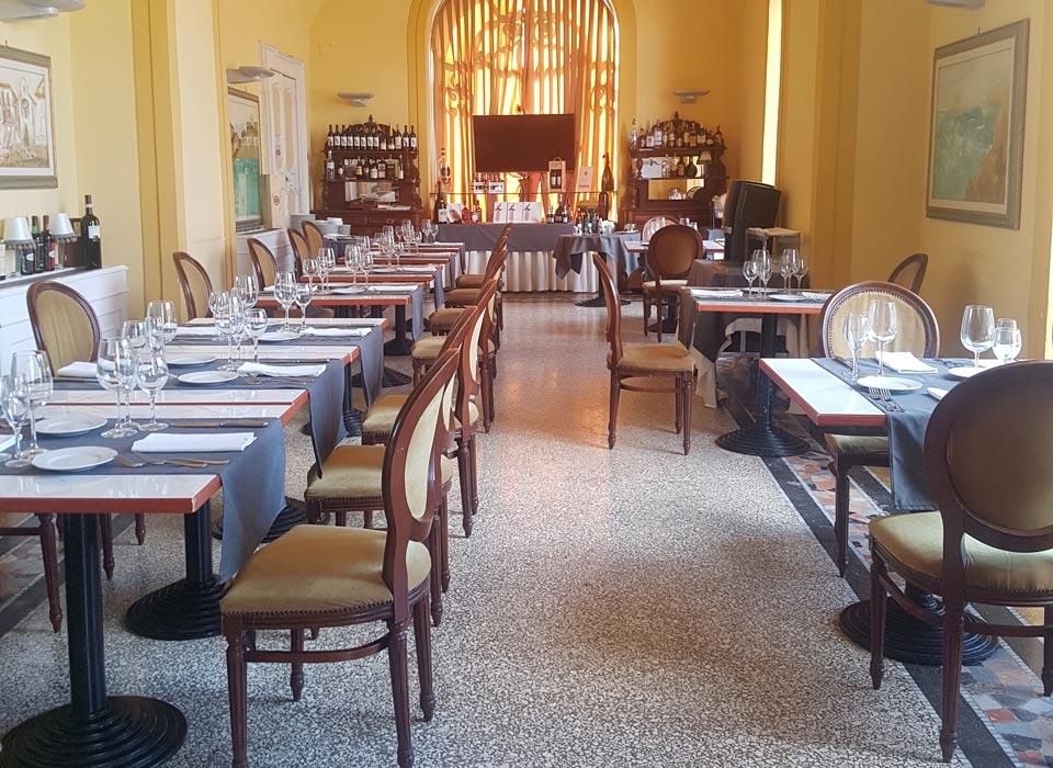 villasignorini_hotel_a_ercolano_galleria_foto_ristorante_sala_a
